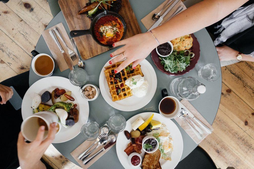 breakfast-690128_1920